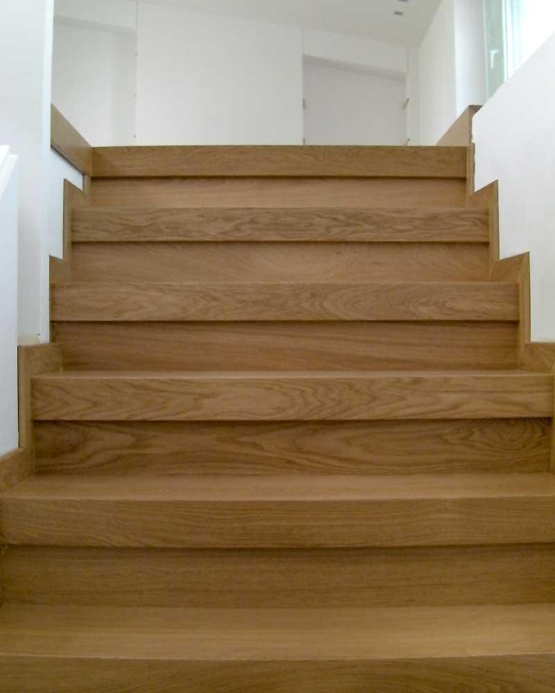 Σκάλες ξύλινες Ιρόκο